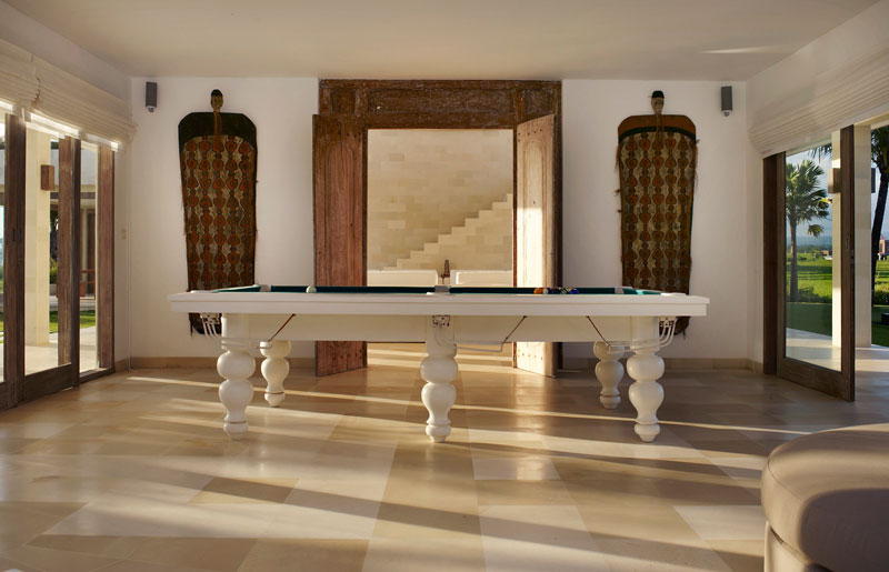 Villa Babar Billiard Room