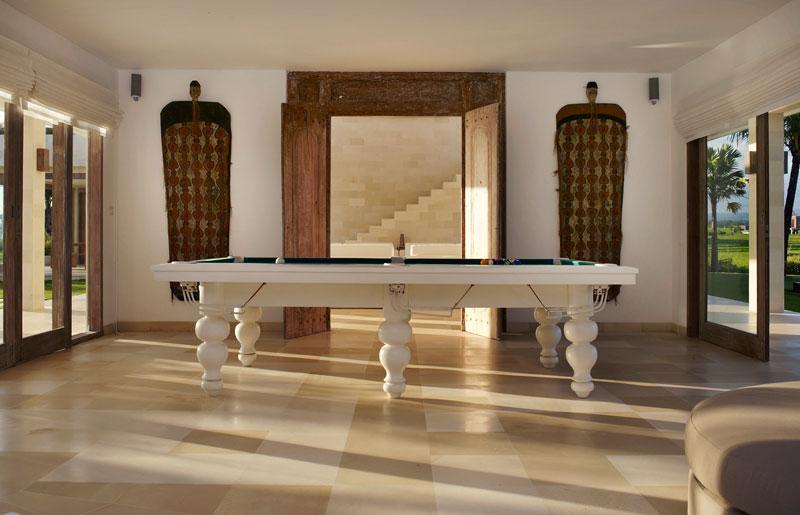 Villa Babar Billiard Room